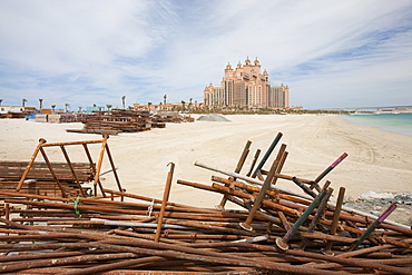 The Atlantis on the Palm a hyper luxury hotel in an area of Dubia that was reclaimed from the sea, Dubai, United Arab Emirates, Middle East