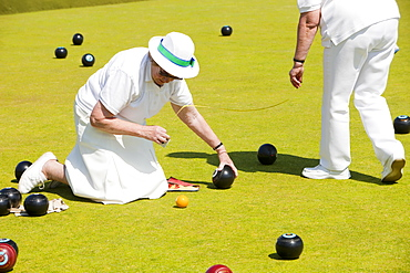 Old people playing bowls at Penzance in West Cornwall, England, United Kingdom, Europe
