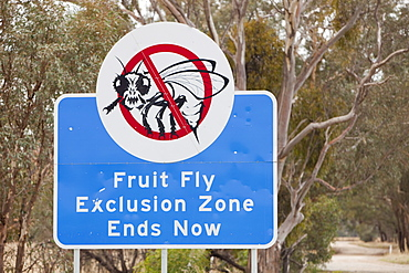 A Fruit Fly Exclusion Zone sign near Yarrawonga, Australia, Pacific