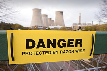 Ratcliffe on Soar coal fired power station surrounded by razor wire to prevent attack from climate activists, Leicestershire, England, United Kingdom, Europe