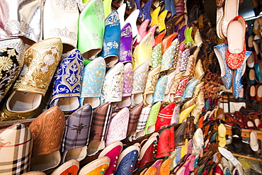 Traditional Moroccan slippers on a stand in the souk in Marrakech, Morocco, North Africa, Africa