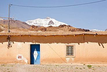 Tamazight village looking towards Jebel Sirwa in the Anti Atlas mountains of Morocco, North Africa, Africa