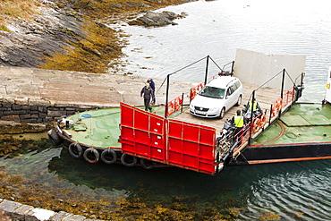 The Glenelg ferry, which has a swivel turntable, Isle of Skye, Scotland, United Kingdom, Europe