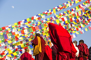 Buddhist monks at the Boudhanath Stupa, one of the holiest Buddist sites in Kathmandu, during a buddist festival, Kathmandu, Nepal, Asia