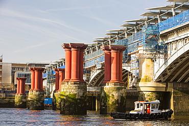 Blackfriars Bridge across the River Thames, the world's largest solar bridge, London, England, United Kingdom, Europe