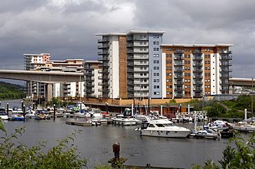 Marina and apartment block, Cardiff Bay, Cardiff, Wales, UK, Europe