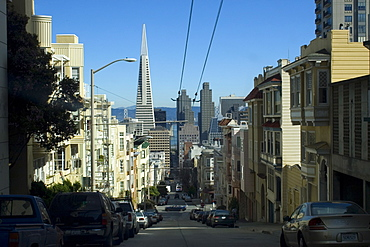 Street view with Transamerica Pyramid in the background, San Francisco, California, United States of America, North America