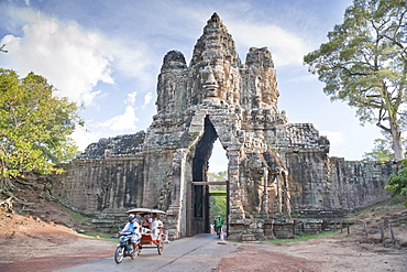 North Gate, Angkor Thom, Angkor, UNESCO World Heritage Site, Siem Reap, Cambodia, Indochina, Southeast Asia, Asia