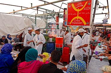 Berber food stall in the Jemaa el-Fnaa, Marrakesh (Marrakech), Morocco, North Africa, Africa