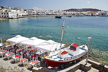 View of the harbour, Mykonos Town (Chora), Mykonos, Cyclades, Greek Islands, Greece, Europe