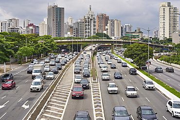 Avenue Vinte e Tres de Maio, one of the many busy roads cutting through the city of Sao Paulo, Brazil, South America
