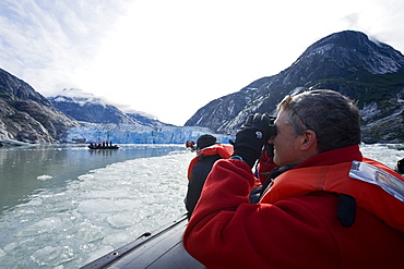 Guests from the Lindblad Expeditions ship National Geographic Sea Lion, Southeast Alaska, USA