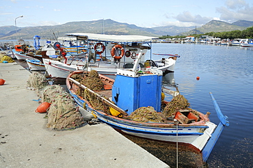 Traditional wooden fishing boats moored in Skala Kalloni harbour, Lesbos (Lesvos), Greek Islands, Greece, Europe