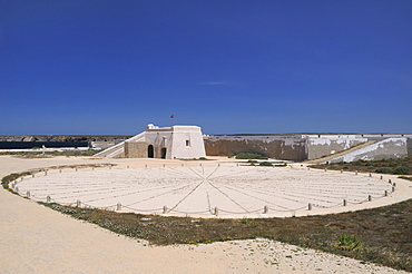 Compass Rose and entrance gateway at Sagres fort (Fortaleza de Sagres), Ponta de Sagres, Algarve, Portugal, Europe
