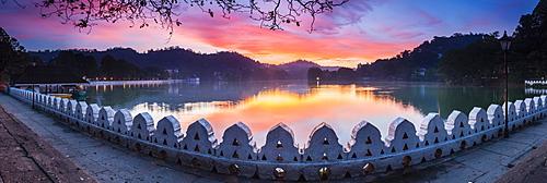 Sunrise at Kandy Lake and the Clouds Wall (Walakulu Wall), Kandy, Central Province, Sri Lanka, Asia