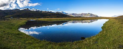 Vatnajokull Ice Cap reflection, seen near Skaftafell in Vatnajokull National Park, South Region of Iceland (Sudurland), Iceland, Polar Regions
