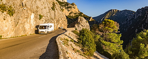 Caravaning in Verdon Gorge (Grand Canyon du Verdon), Alpes de Haute Provence, South of France, France