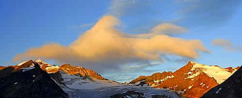panorama in Oetztal range, clouds above Wildspitze, Mittelbergjoch and Hinterer Brunnenkogel, hut Braunschweiger Huette, Oetztal range, Tyrol, Austria