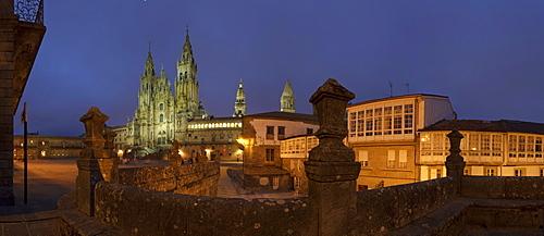 Illuminated cathedral in the evening, Plaza Obradoiro, Santiago de Compostela, Province of La Coruna, Galicia, Northern Spain, Spain, Europe