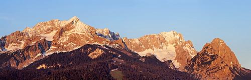 Panorama of Alpspitze, Jubilaeumsgrat, Zugspitze and Waxenstein, Garmisch-Partenkirchen, Wetterstein range, Werdenfels, Upper Bavaria, Bavaria, Germany, Europe