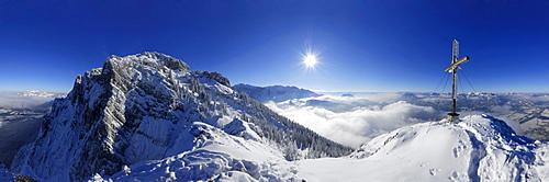 snow-covered mountain scene, panorama from summit of Naunspitze, Zahmer Kaiser, Kaiser range, Kufstein, Tyrol, Austria