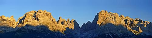 Panorama of Brenta range with view to Cima Sella, Cima Brenta, Cima Mandron, Torre di Brenta, Campanile Alto, Brenta Alta, Crozzon di Brenta and Cima Tosa, Brenta range, Trentino, UNESCO World Heritage Site Dolomites, Italy