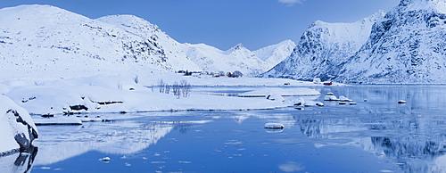 Bo, Flakstadpollen, Flakstadoya, Lofoten, Nordland, Norway