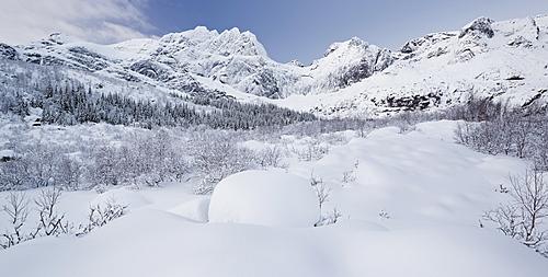 Stjerntinden, Flakstadoya, Lofoten, Nordland, Norway