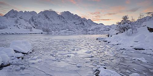 Vestpollen, Rulten mountain, Austnesfjorden, Austvagoya, Lofoten, Nordland, Norway