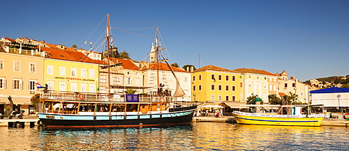 Harbour and old town at sunset, Mali Losinj, Cres Island, Kvarner Gulf, Croatia, Europe