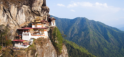 Paro Taktsang (Tigers Nest monastery), Paro District, Bhutan, Himalayas, Asia