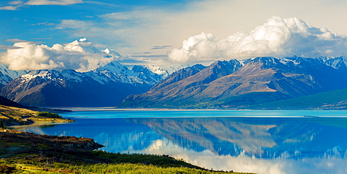 Aorkai (Mount Cook) and the Southern Alps reflected in the still waters of Lake Pukaki, UNESCO World Heritage Site, Canterbury, South Island, New Zealand, Pacific