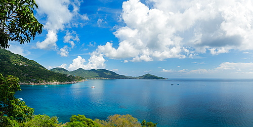 Koh Tao as seen from the peak on Koh Nang Yuan, Thailand, Southeast Asia, Asia