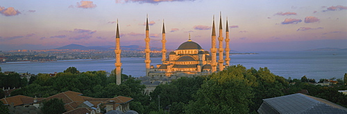 Panoramic view of the Blue Mosque (Sultan Ahmet Mosque), with Bosphorus in the background, Istanbul, Turkey, Europe