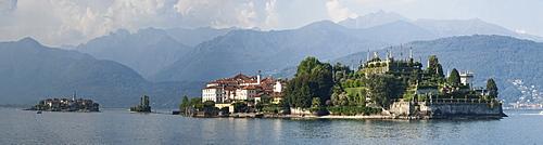 Isola Bella and Isola dei Pescatori, Borromean Islands, Lake Maggiore, Piedmont, Italian Lakes, Italy, Europe