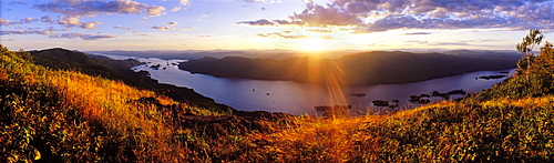 USA, New York, Washington County, Adirondacks, Lake George, sunset