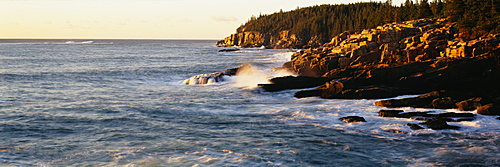 Waves breaking against the rocks, Otter Beach, Acadia National Park, Maine, New England, USA