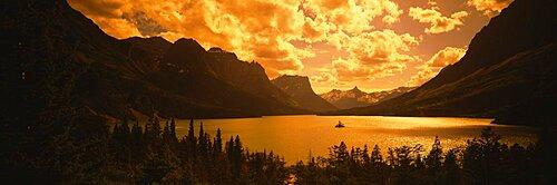 Clouds over mountains, McDonald Lake, US Glacier National Park, Montana, USA