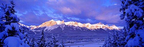 Sunrise Canmore Kananaskis Country Alberta British Columbia Canada