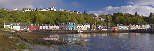 Tobermory, Mull's chief town with brightly coloured houses, Isle of Mull, Inner Hebrides, Scotland, United Kingdom, Europe