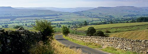 Road towards Wensleydale valley, Yorkshire Dales National Park, Yorkshire, England, United Kingdom, Europe