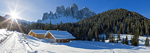 Winter landscape, Le Odle Group with Geisler Spitzen, 3060m, Val di Funes, Dolomites, Trentino-Alto Adige, South Tirol (Tyrol), Italy, Europe