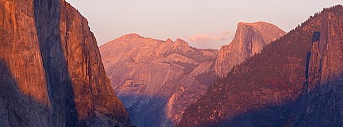 El Capitan and Half Dome at sunset, from Tunnel View, Yosemite Valley, Yosemite National Park, UNESCO World Heritage Site, California, United States of America, North America
