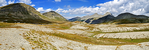 Panoramic view over an alpine plateau near Lacs de Lignin, Haute Verdon Mountains, Alpes-de-Haute-Provence, France, Europe