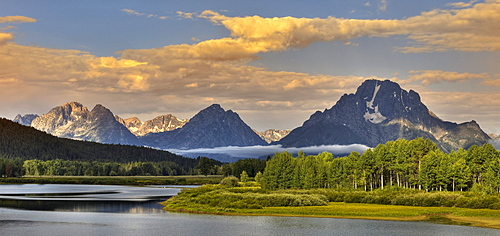 Oxbow Bend, Snake River bend, in front of the Teton Range with Mount Moran, Grand Teton National Park, Wyoming, United States of America, USA
