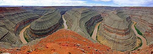 Panoramic view of the meanders of the San Juan River, Gooseneck State Park, Utah, USA