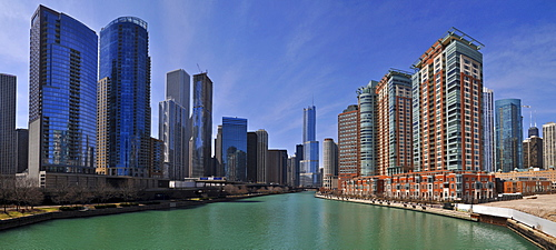 Chicago River and high-rise apartment buildings, Chicago, Illinois, USA