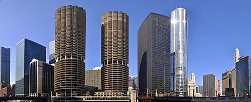 Marina City and Trump Tower, Chicago, Illinois, USA