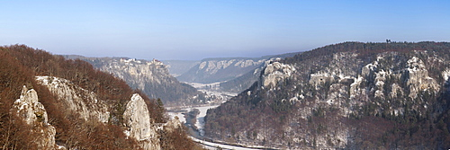 View from the Eichfelsen rock on Schloss Werenwag castle and the Danube valley, Naturpark Obere Donau nature park, Swabian Alb, Baden-Wuerttemberg, Germany, Europe