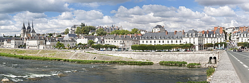 City view of with bridge over the Loire, Saint Nicolas church and castle, Blois, Departement Loir-et-Cher, Region Central, France, Europe